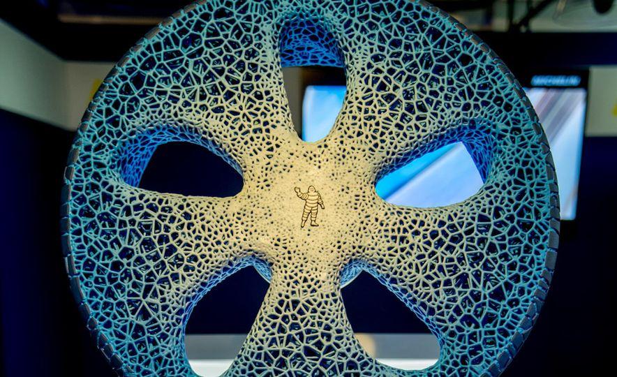Michelin Vision Concept Tire - Slide 1