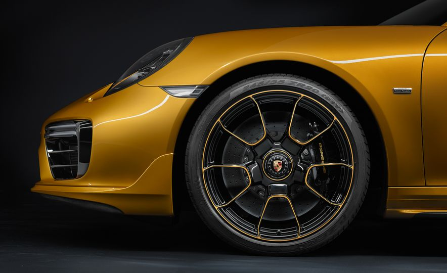 Porsche 911 Turbo S Exclusive Series - Slide 9