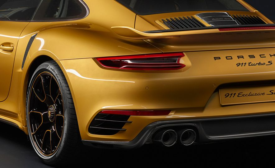 Porsche 911 Turbo S Exclusive Series - Slide 11