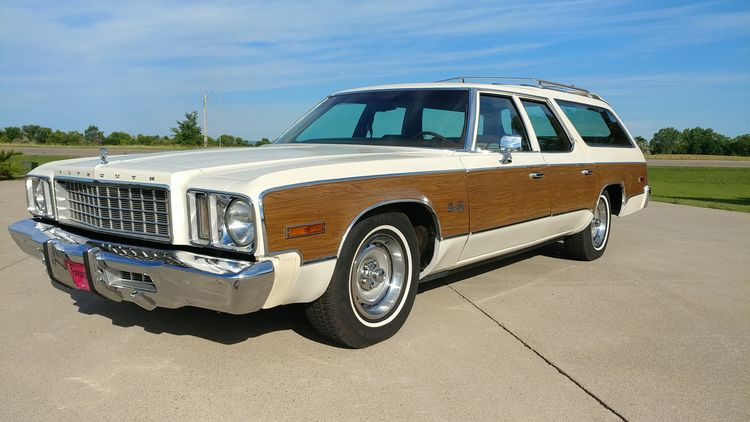 The Spirit of '76: A Big Country Requires a Big Wagon, Like This Plymouth Gran Fury
