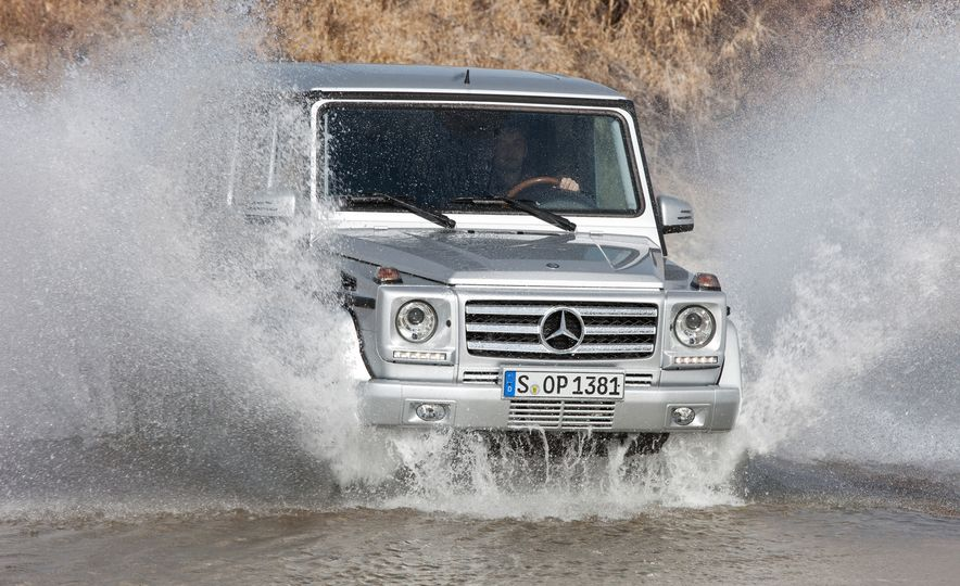 Mercedes-Benz 230 G - Slide 19