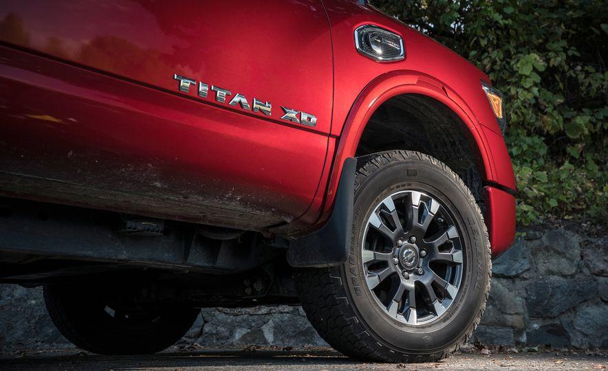 2016 Nissan Titan XD 4x4 diesel - Slide 4