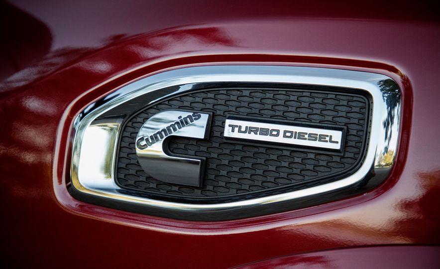 2016 Nissan Titan XD 4x4 diesel - Slide 6