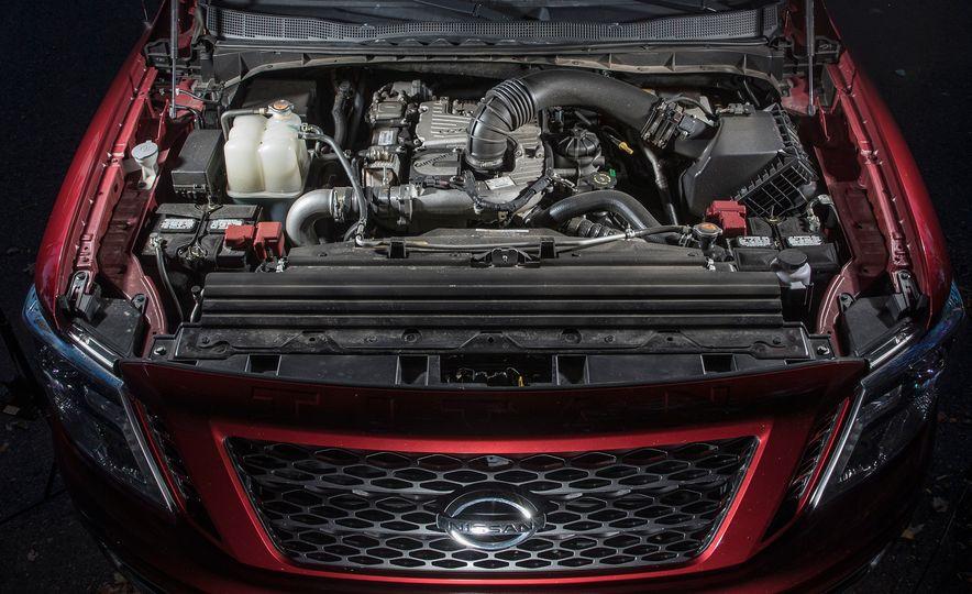 2016 Nissan Titan XD 4x4 diesel - Slide 11
