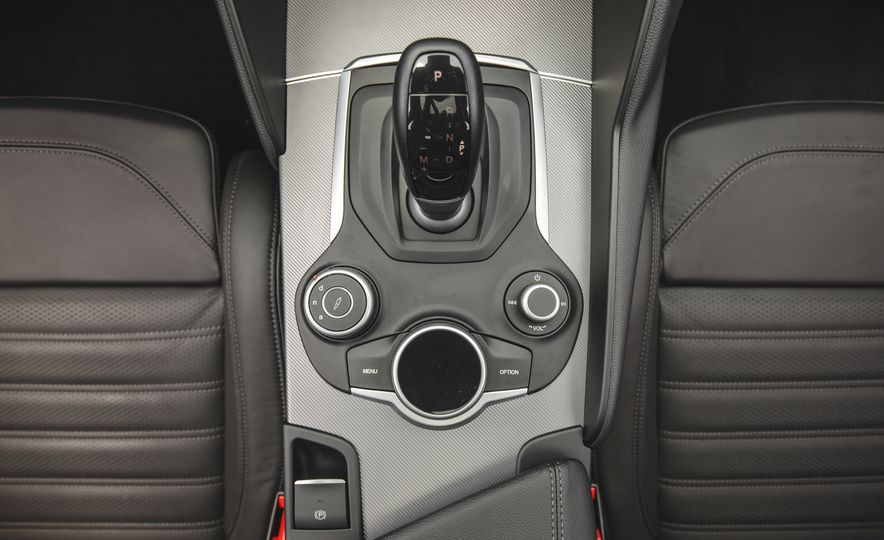 2017 Alfa Romeo Giulia - Slide 54