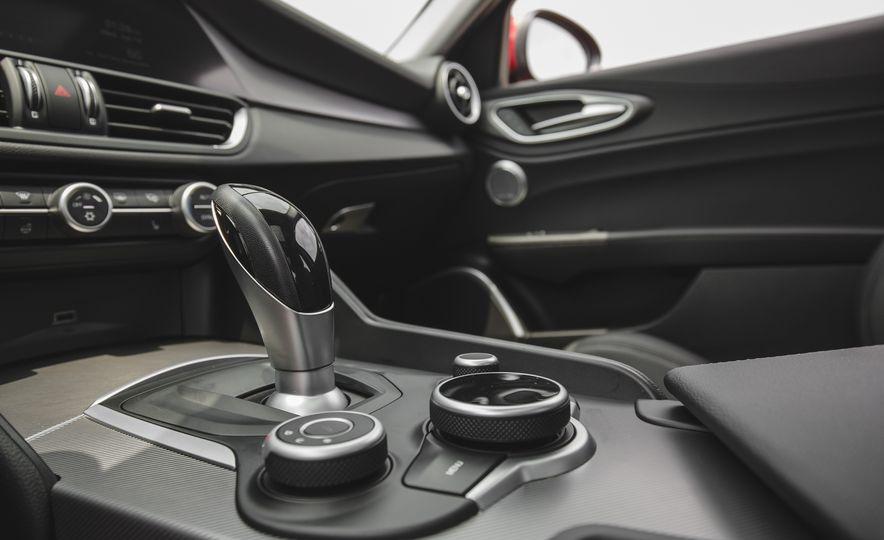 2017 Alfa Romeo Giulia - Slide 56
