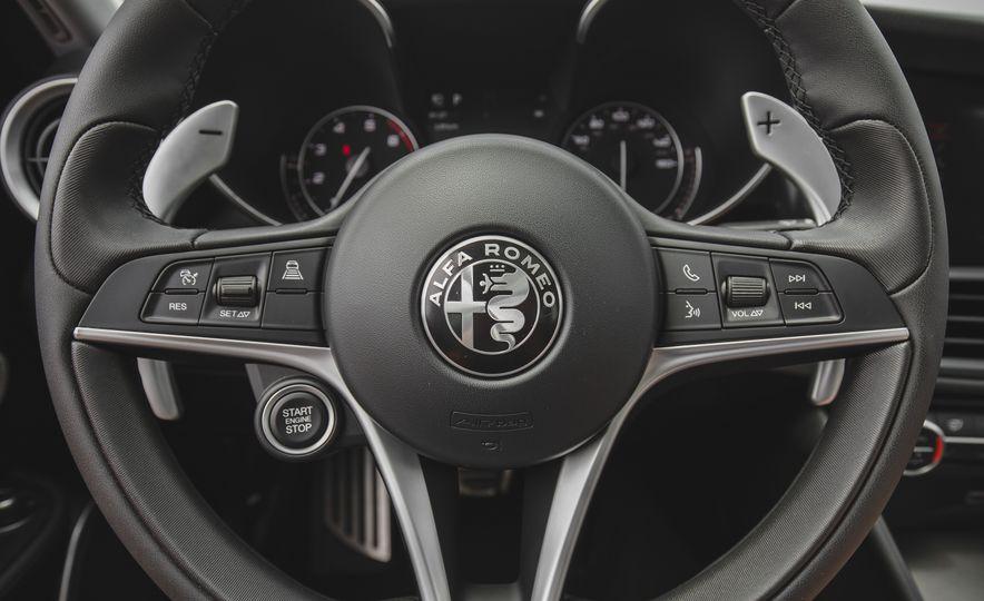 2017 Alfa Romeo Giulia 2.0T - Slide 33