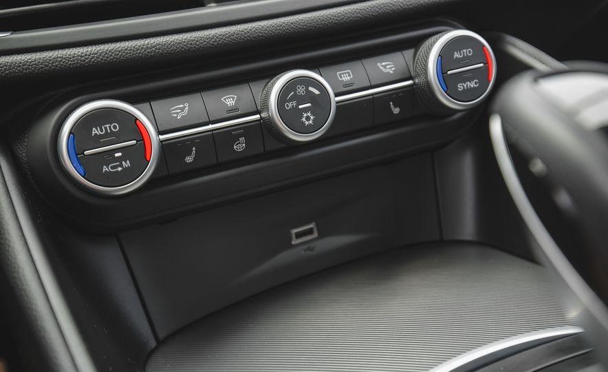 2017 Alfa Romeo Giulia 2.0T - Slide 47