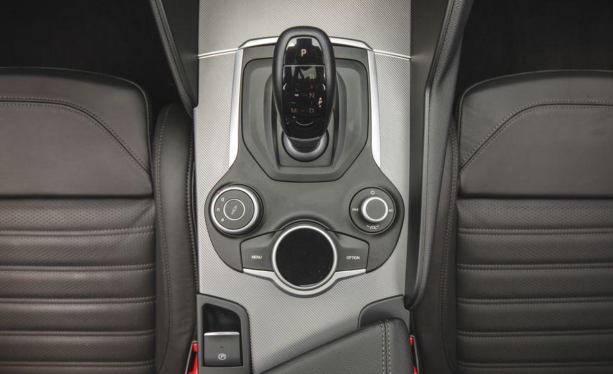 2017 Alfa Romeo Giulia 2.0T - Slide 50