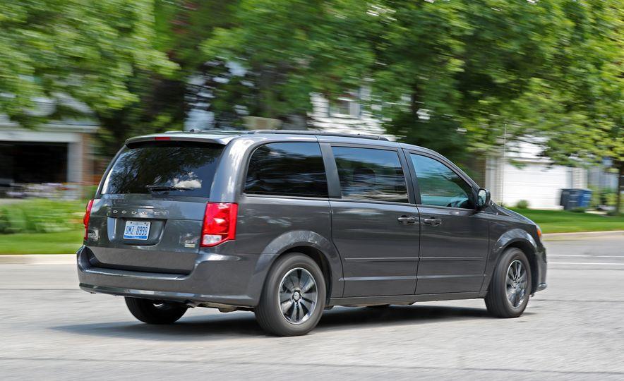 2017 Dodge Grand Caravan - Slide 13