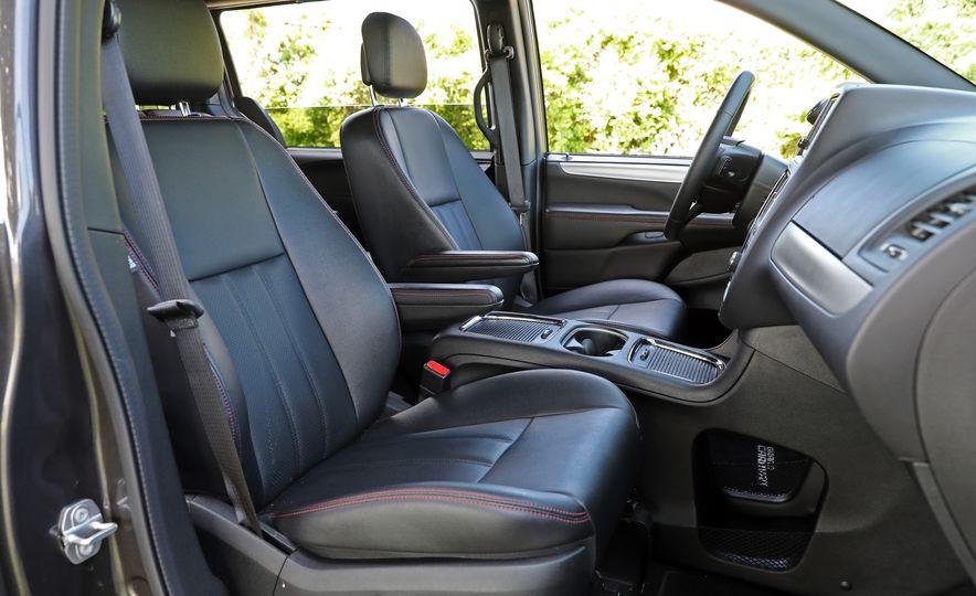 2017 Dodge Grand Caravan - Slide 35