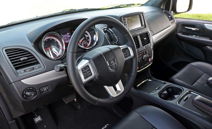 2017 Dodge Grand Caravan - Slide 37