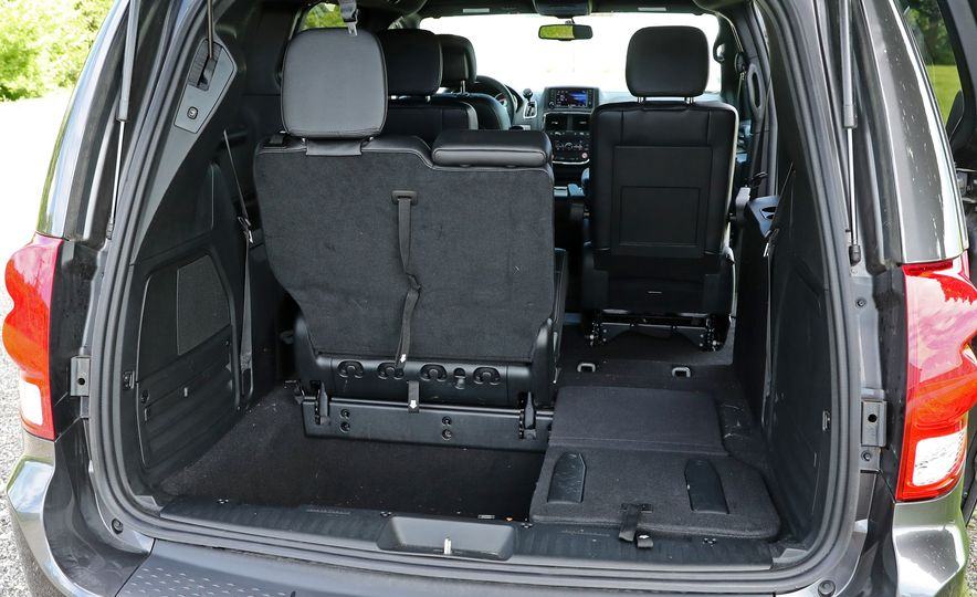 2017 Dodge Grand Caravan - Slide 68