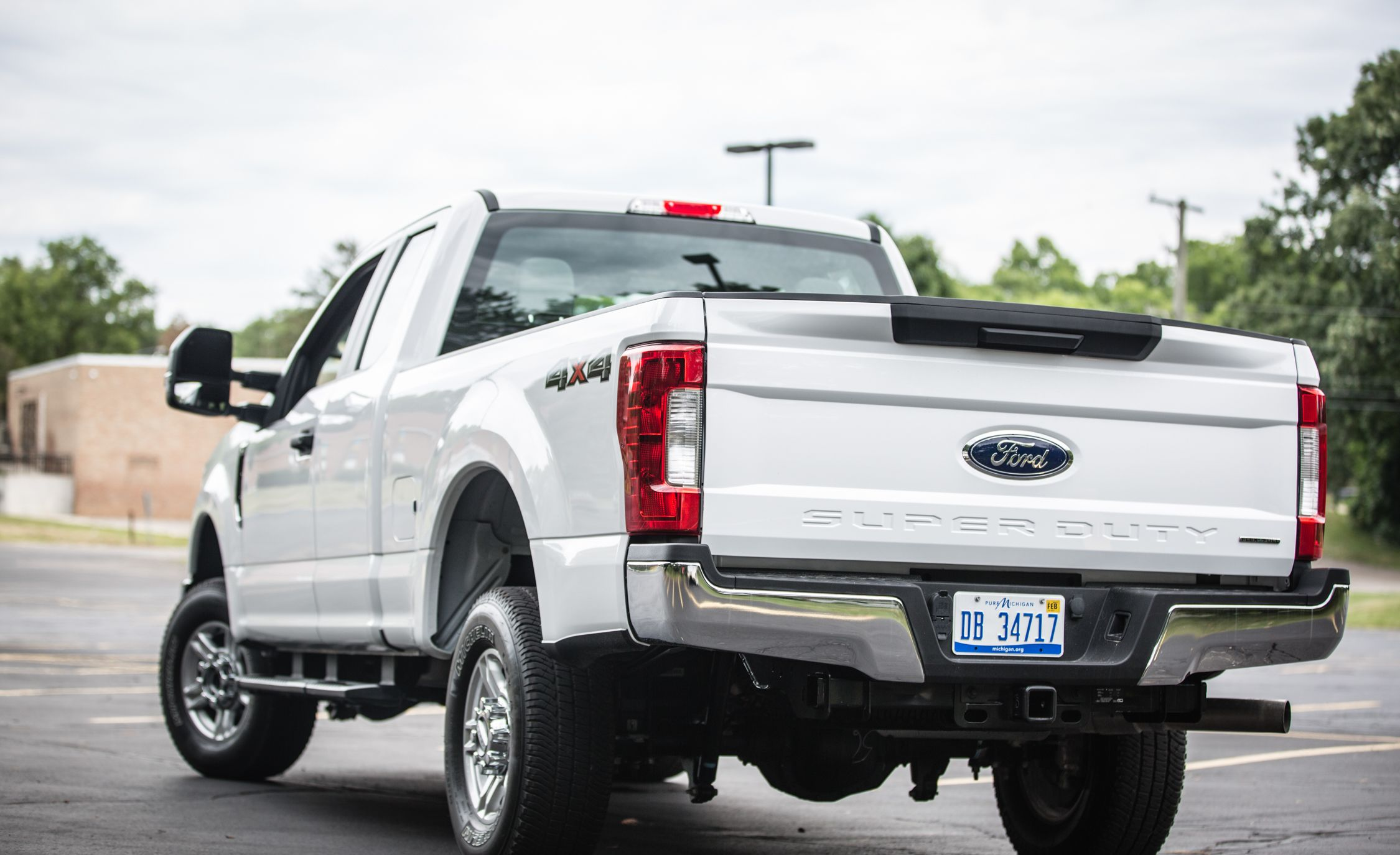 2017 Ford Super Duty Pickups in NHTSA Probe of Faulty Tailgate