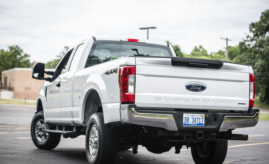 NHTSA Investigating 2017 Ford Super Duty Pickups for Tailgate Issue