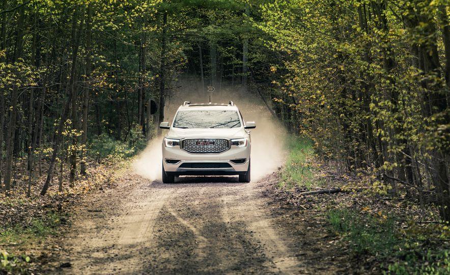 2017 Mazda CX-9 Signature AWD, 2017 GMC Acadia Denali AWD, 2018 Volkswagen Atlas SEL Premium 4MOTION, 2017 Dodge Durango GT AWD, and 2017 Honda Pilot Elite AWD - Slide 28