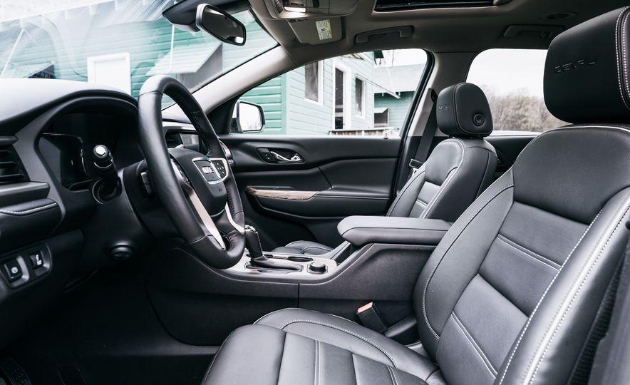 2017 Mazda CX-9 Signature AWD, 2017 GMC Acadia Denali AWD, 2018 Volkswagen Atlas SEL Premium 4MOTION, 2017 Dodge Durango GT AWD, and 2017 Honda Pilot Elite AWD - Slide 34