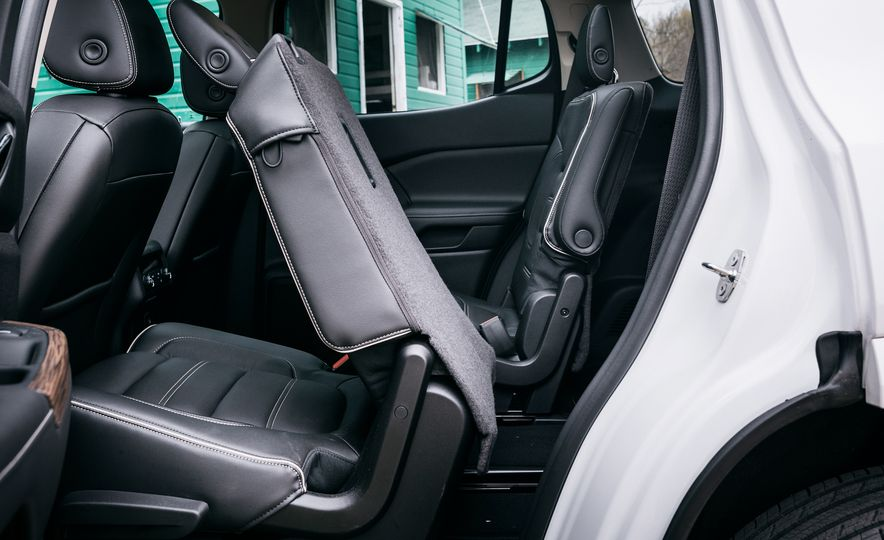 2017 Mazda CX-9 Signature AWD, 2017 GMC Acadia Denali AWD, 2018 Volkswagen Atlas SEL Premium 4MOTION, 2017 Dodge Durango GT AWD, and 2017 Honda Pilot Elite AWD - Slide 36