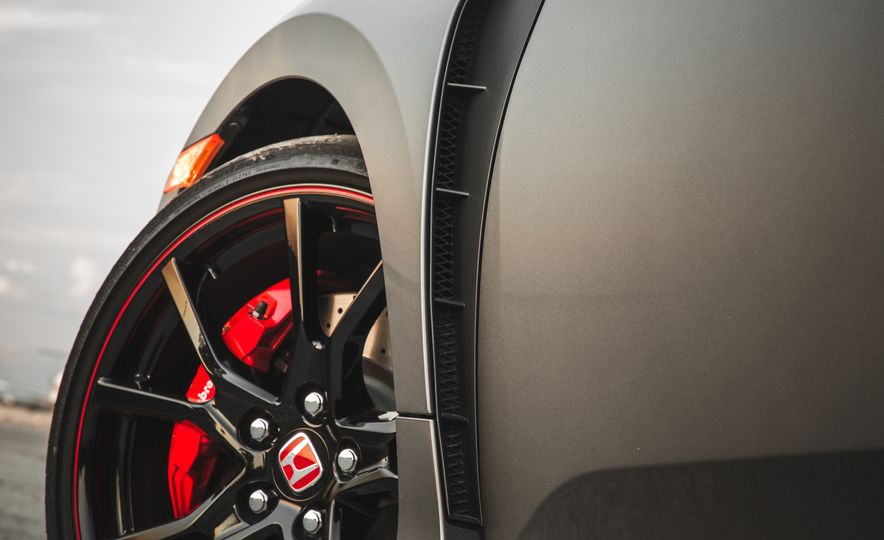 Against the Wind: All the 2017 Honda Civic Type R's Aero Bits Explained - Slide 13