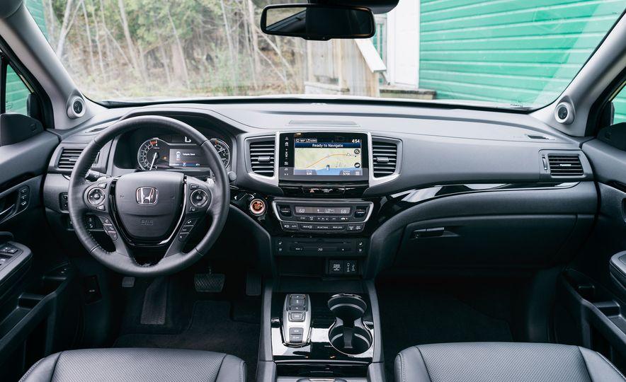 2017 Mazda CX-9 Signature AWD, 2017 GMC Acadia Denali AWD, 2018 Volkswagen Atlas SEL Premium 4MOTION, 2017 Dodge Durango GT AWD, and 2017 Honda Pilot Elite AWD - Slide 8