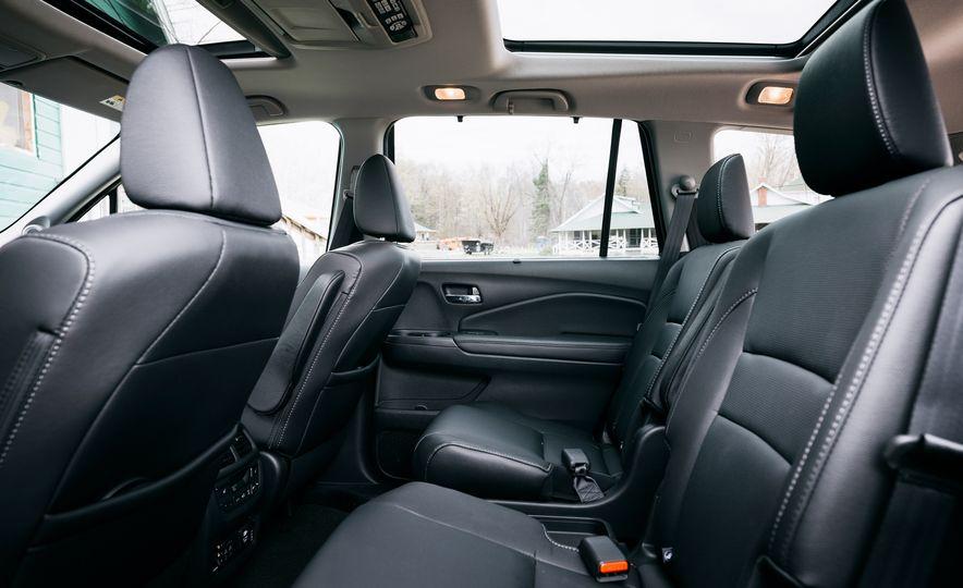 2017 Mazda CX-9 Signature AWD, 2017 GMC Acadia Denali AWD, 2018 Volkswagen Atlas SEL Premium 4MOTION, 2017 Dodge Durango GT AWD, and 2017 Honda Pilot Elite AWD - Slide 10