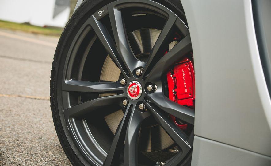 2017 Jaguar F-Type SVR - Slide 22