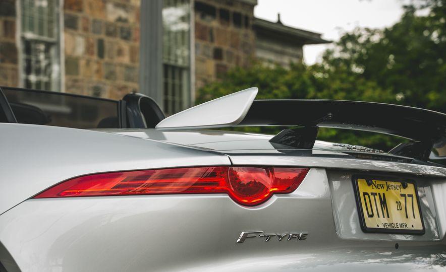 2017 Jaguar F-Type SVR - Slide 26