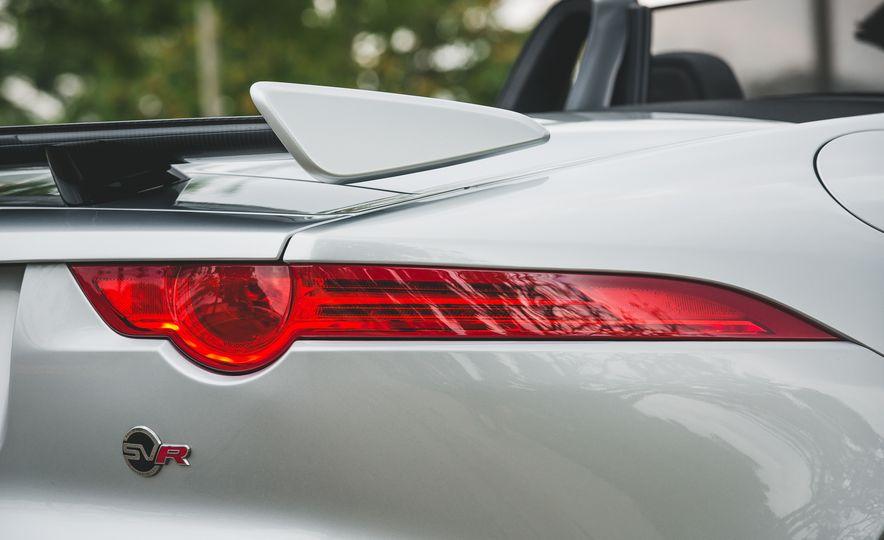 2017 Jaguar F-Type SVR - Slide 27