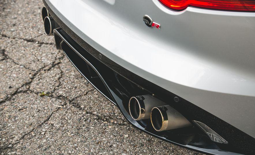 2017 Jaguar F-Type SVR - Slide 30