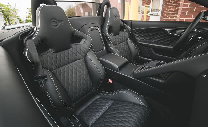 2017 Jaguar F-Type SVR - Slide 32