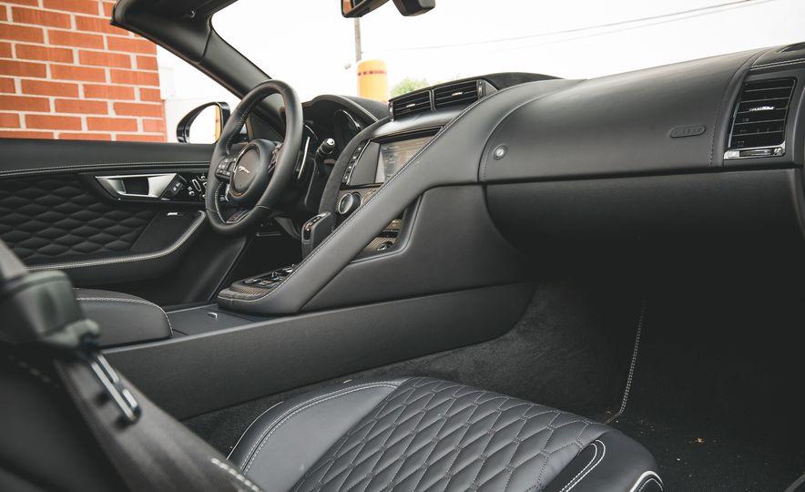 2017 Jaguar F-Type SVR - Slide 33