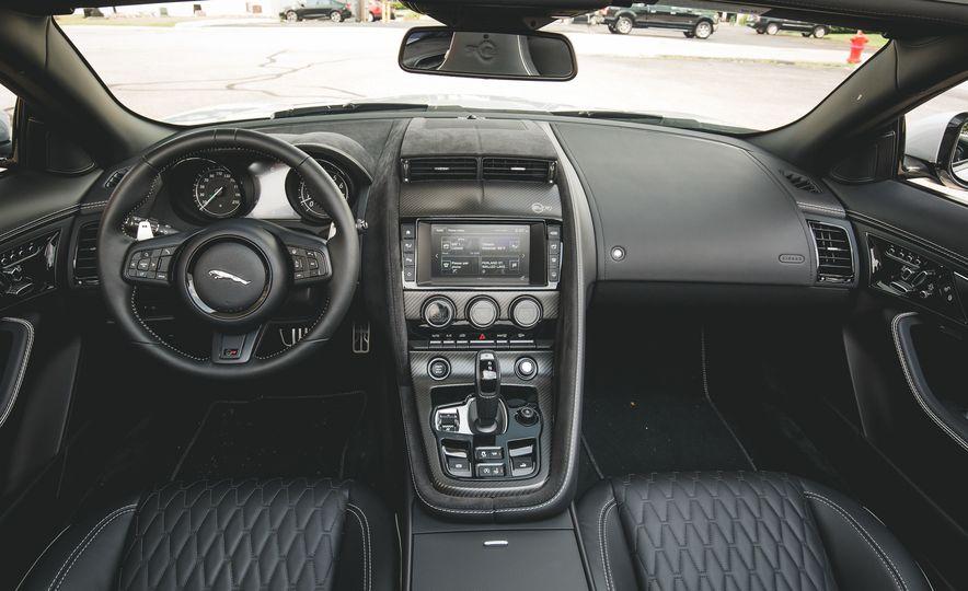 2017 Jaguar F-Type SVR - Slide 35