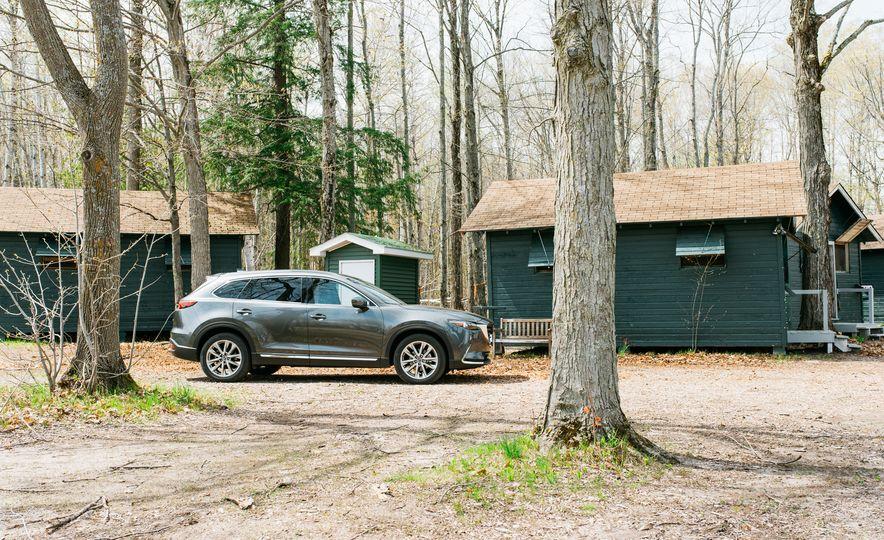 2017 Mazda CX-9 Signature AWD, 2017 GMC Acadia Denali AWD, 2018 Volkswagen Atlas SEL Premium 4MOTION, 2017 Dodge Durango GT AWD, and 2017 Honda Pilot Elite AWD - Slide 56