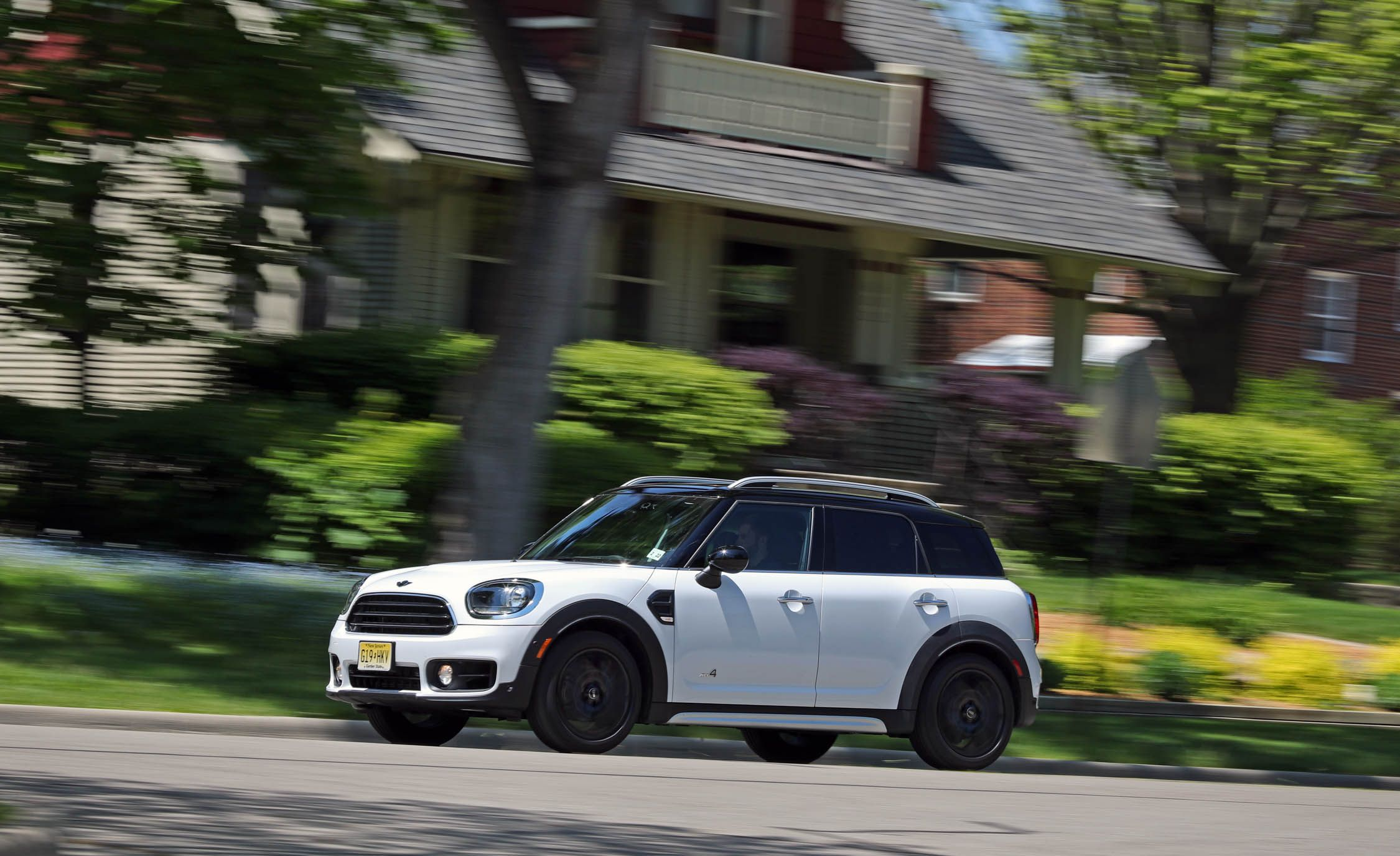 Mini Cooper Countryman S Reviews Price Photos And Specs Car Driver