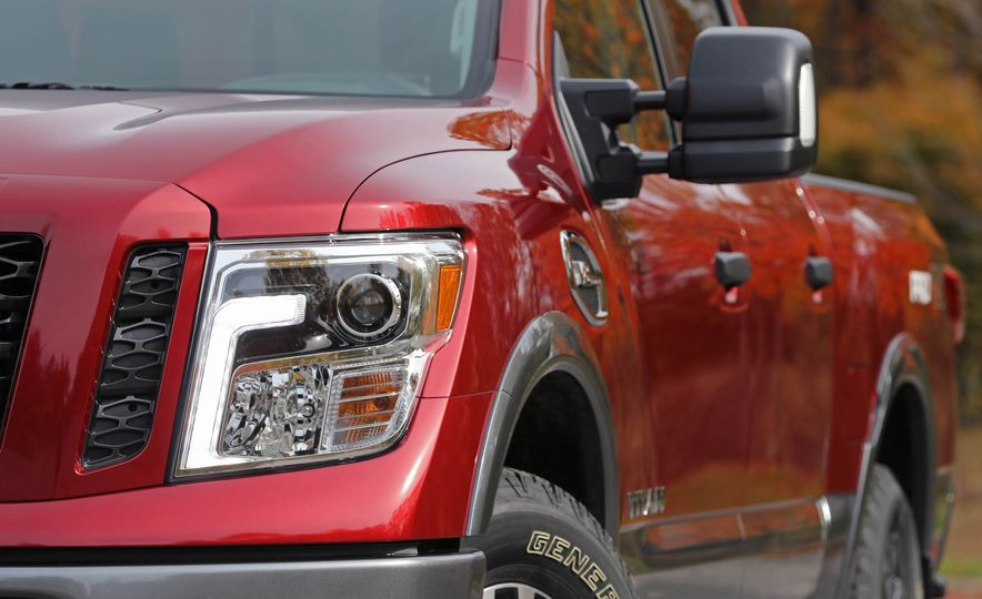 2017 Nissan Titan - Slide 13
