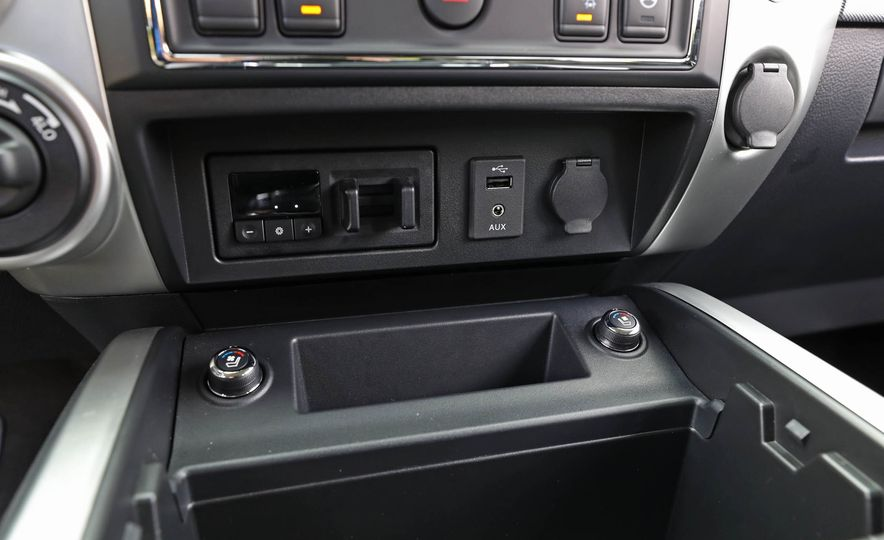 2017 Nissan Titan - Slide 36