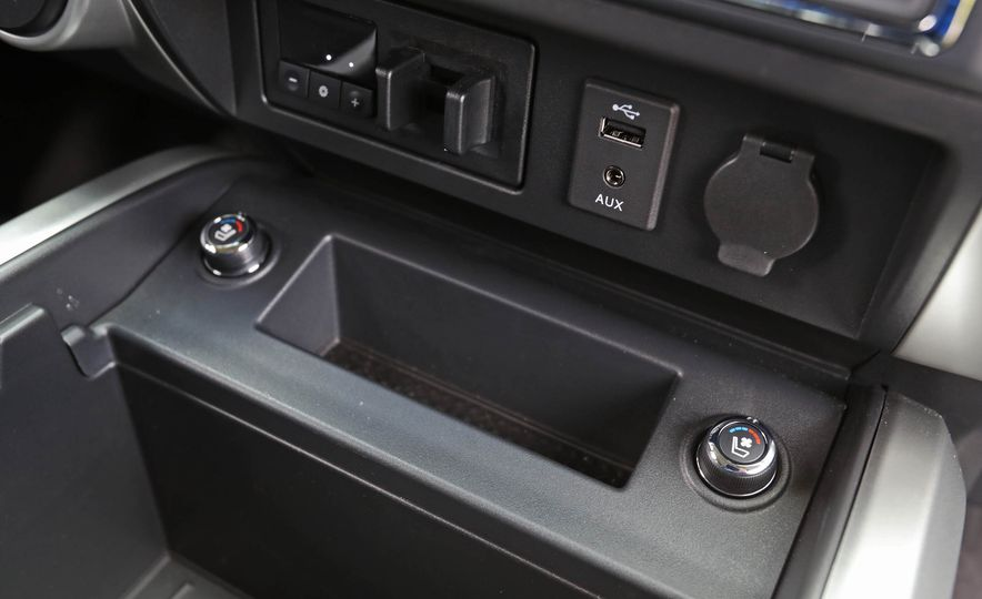 2017 Nissan Titan - Slide 37