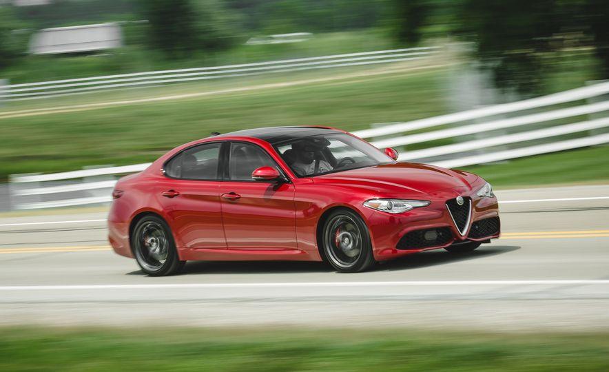 2017 Alfa Romeo Giulia 2.0T - Slide 1