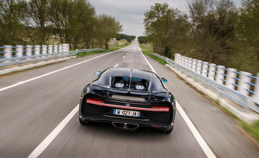 2018 Bugatti Chiron - Slide 20