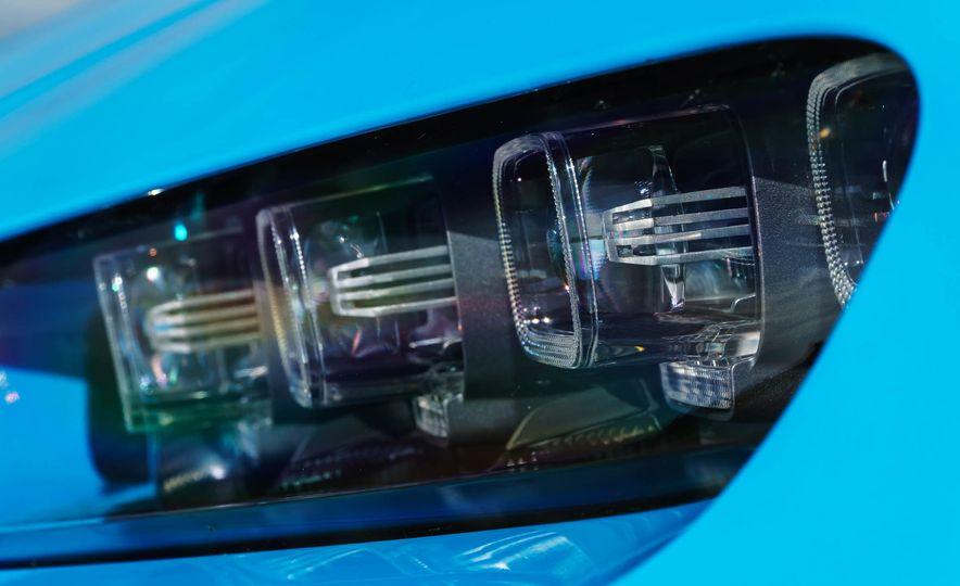 2018 Bugatti Chiron - Slide 36