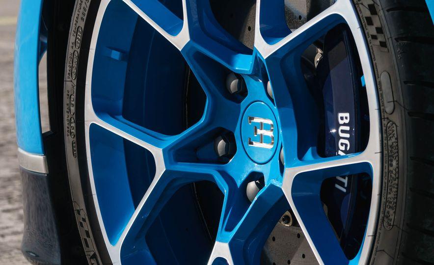 2018 Bugatti Chiron - Slide 54