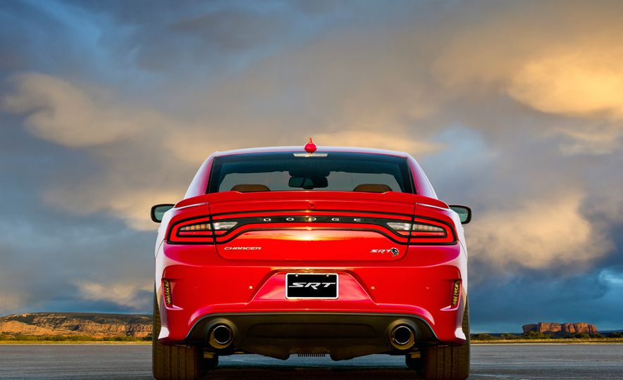 2017 Dodge Charger SRT Hellcat - Slide 3