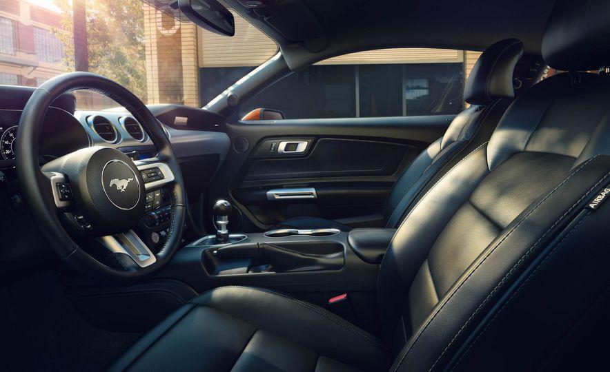 2018 Ford Mustang - Slide 15