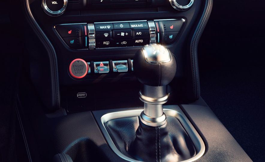 2018 Ford Mustang - Slide 16