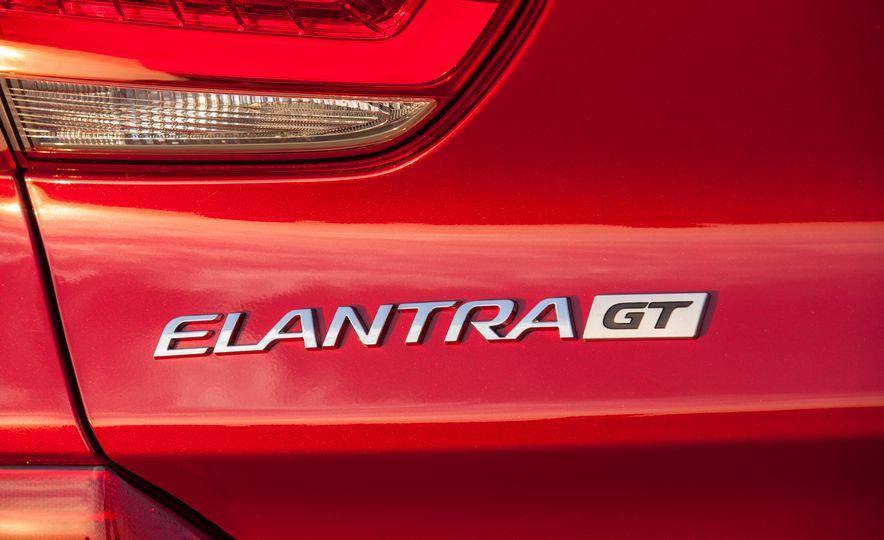 2018 Hyundai Elantra GT hatchback - Slide 21