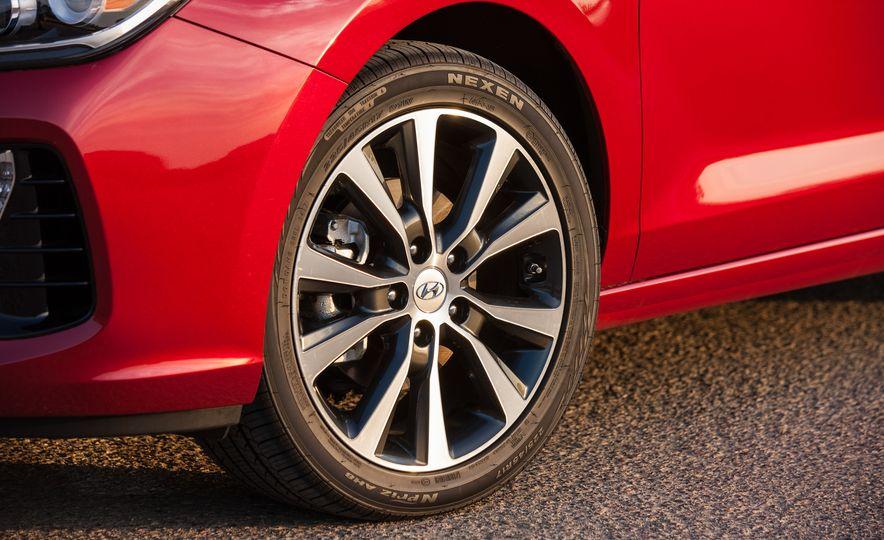 2018 Hyundai Elantra GT hatchback - Slide 23