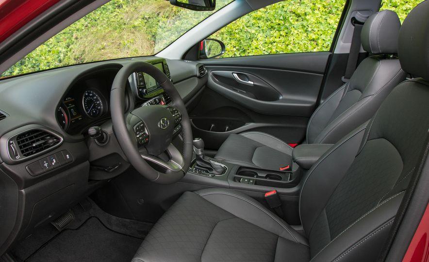 2018 Hyundai Elantra GT hatchback - Slide 25