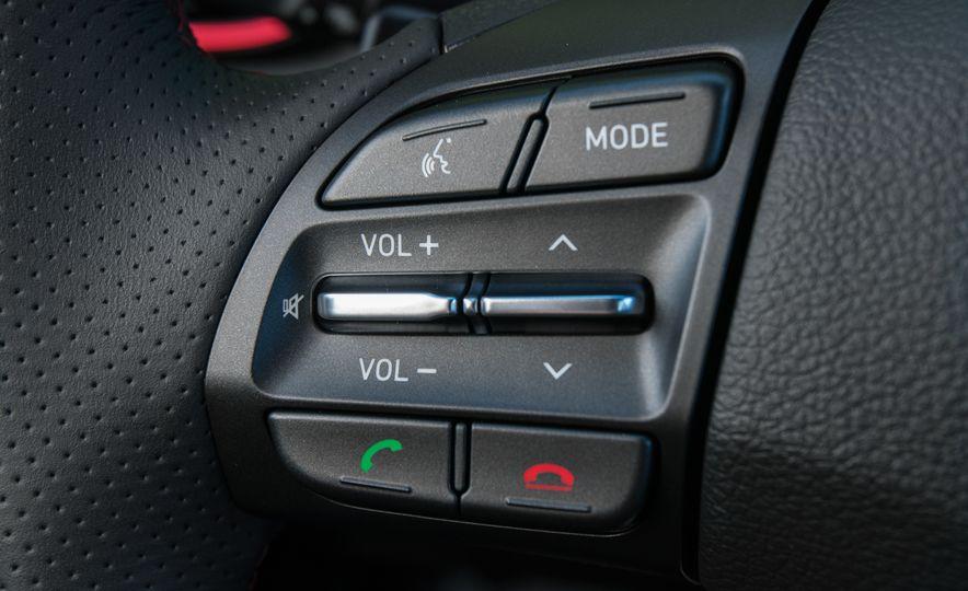 2018 Hyundai Elantra GT hatchback - Slide 29