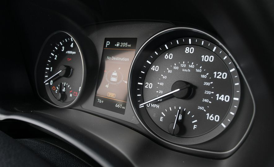 2018 Hyundai Elantra GT hatchback - Slide 33