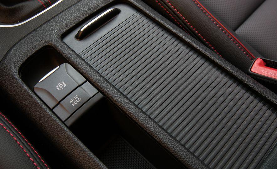 2018 Hyundai Elantra GT hatchback - Slide 58